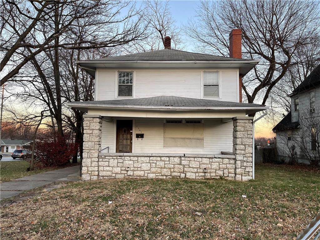 1207 S Main St Street Property Photo - Independence, MO real estate listing