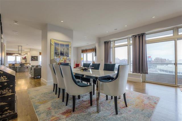 400 W 49th Terrace #2094 & 2096 Property Photo 4