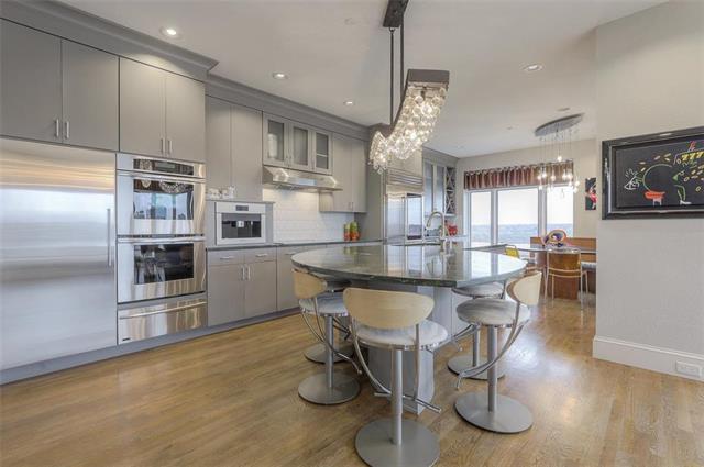 400 W 49th Terrace #2094 & 2096 Property Photo 7