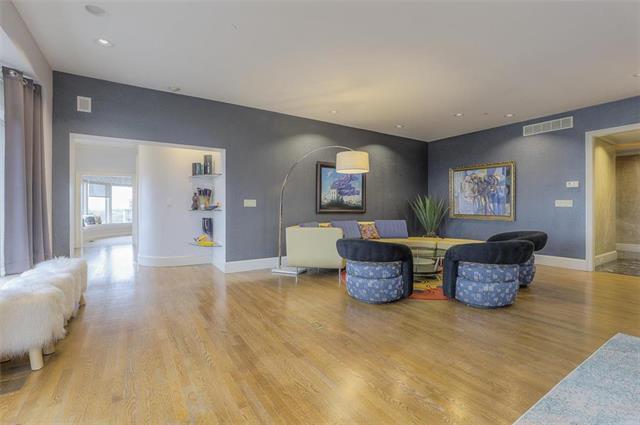 400 W 49th Terrace #2094 & 2096 Property Photo 12