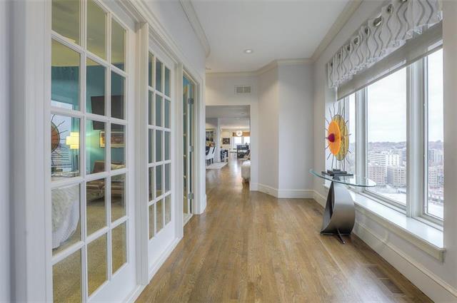 400 W 49th Terrace #2094 & 2096 Property Photo 16