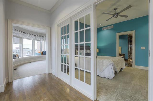 400 W 49th Terrace #2094 & 2096 Property Photo 17