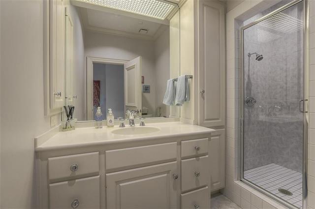 400 W 49th Terrace #2094 & 2096 Property Photo 24