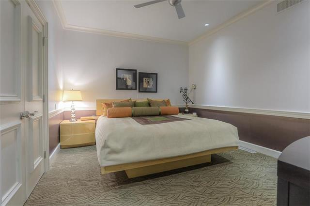 400 W 49th Terrace #2094 & 2096 Property Photo 38