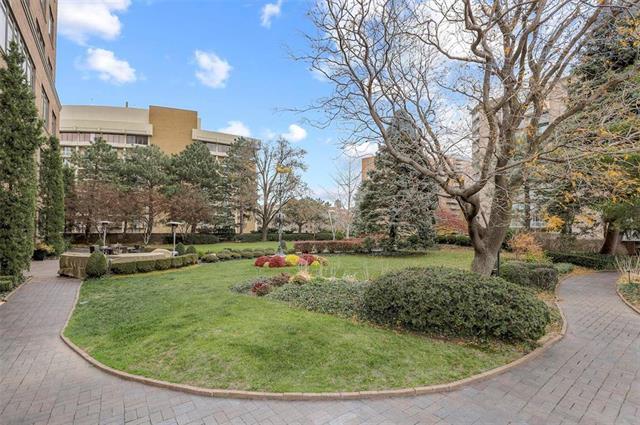 400 W 49th Terrace #2094 & 2096 Property Photo 57