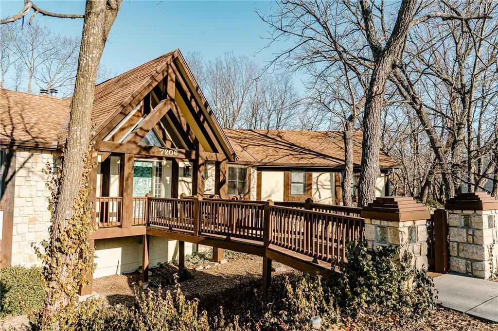 7206 Larson Avenue Property Photo - Kansas City, MO real estate listing