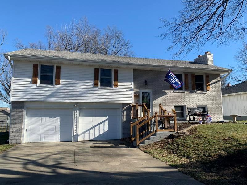 1301 S Grand Avenue Property Photo - El Dorado Springs, MO real estate listing
