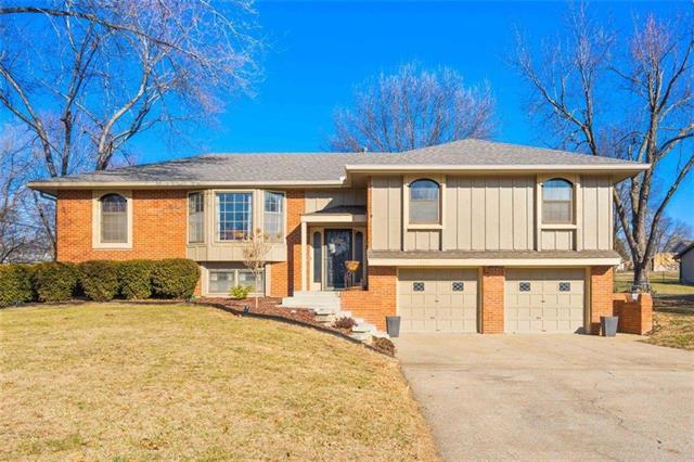 10110 W 55th Street Property Photo - Merriam, KS real estate listing