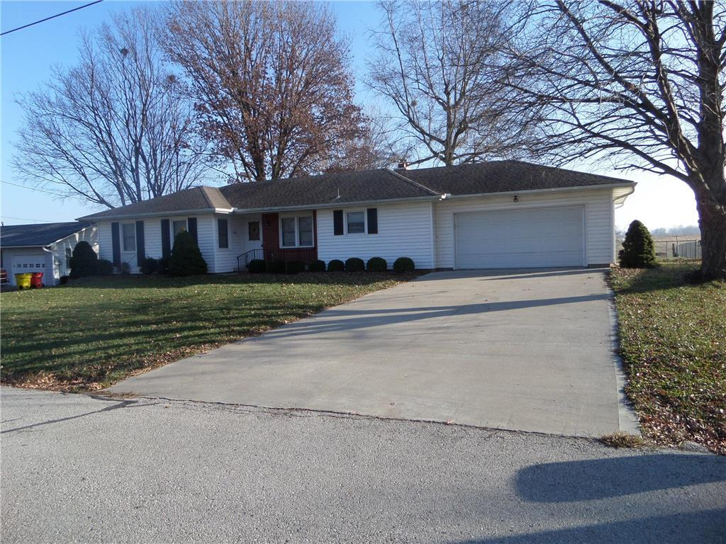 1401 High Drive Property Photo - Lexington, MO real estate listing