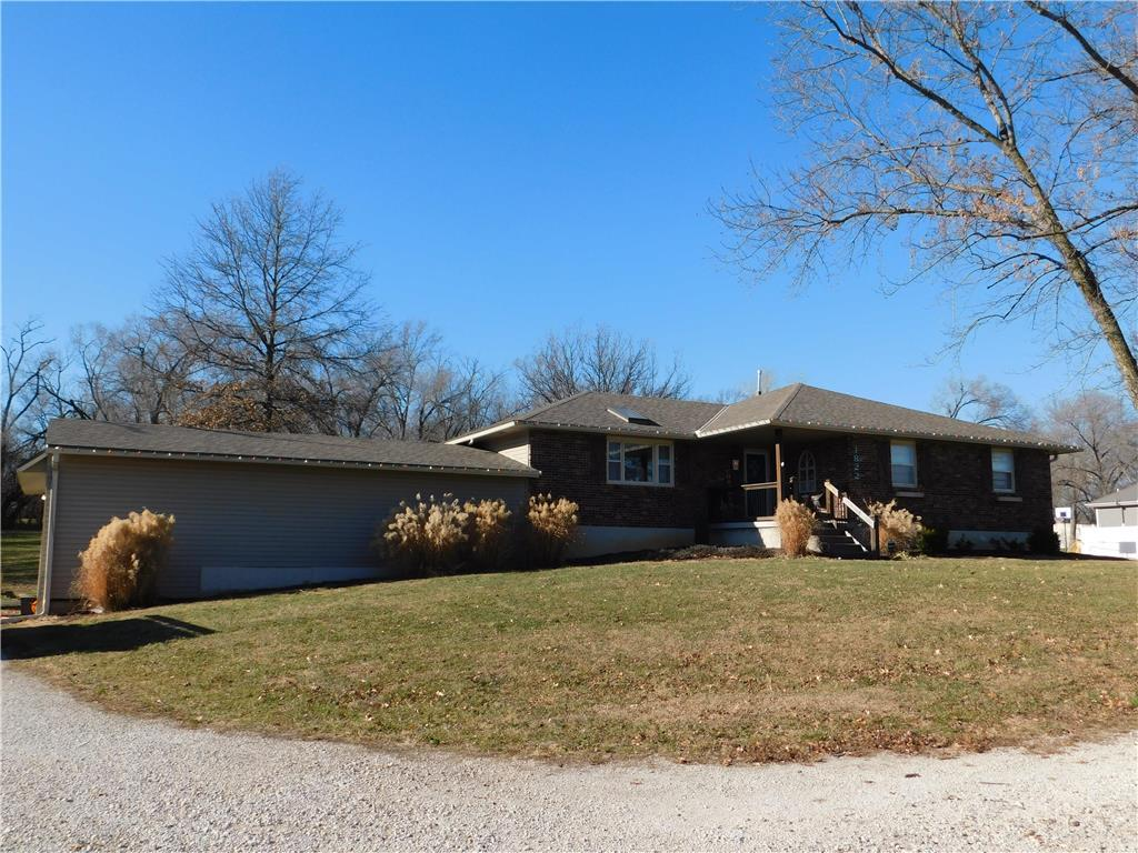 1822 150th Street Property Photo - Basehor, KS real estate listing