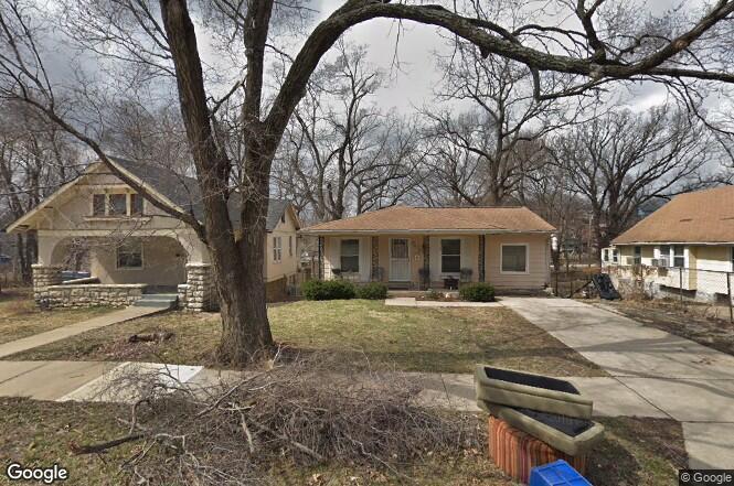 3828 S Benton Avenue Property Photo - Kansas City, MO real estate listing