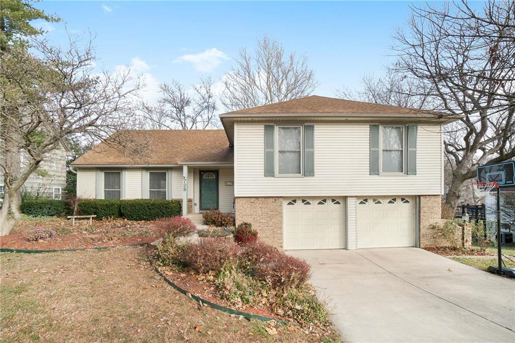728 W 121st Street Property Photo - Kansas City, MO real estate listing