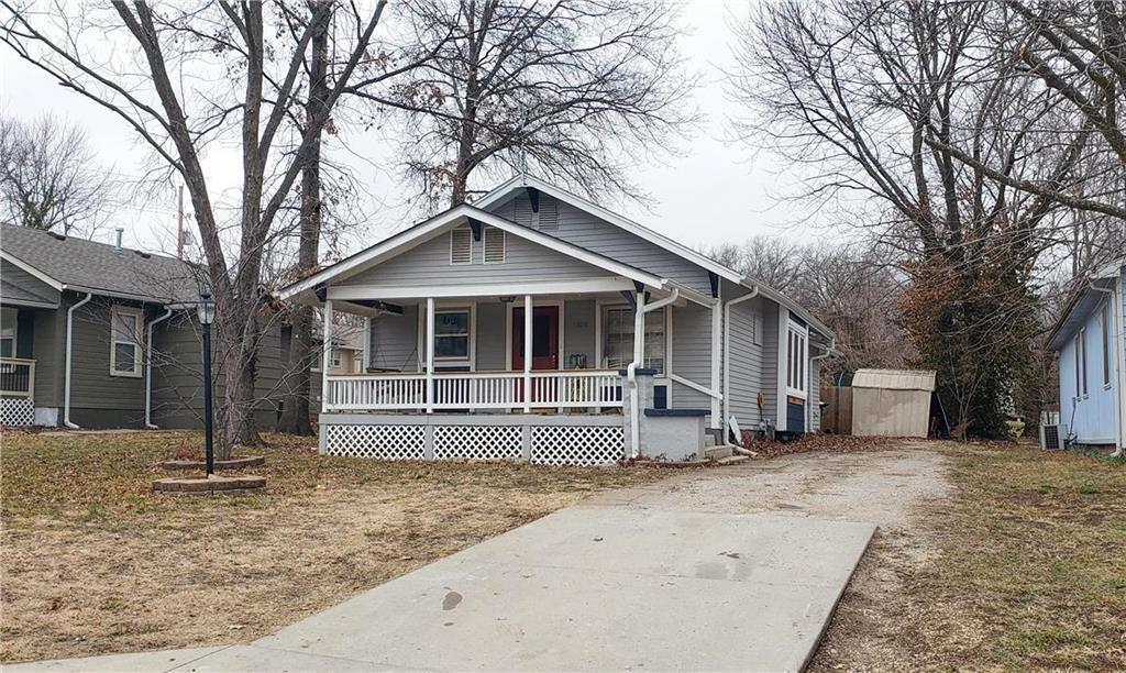 1324 Pacific Avenue Property Photo - Osawatomie, KS real estate listing
