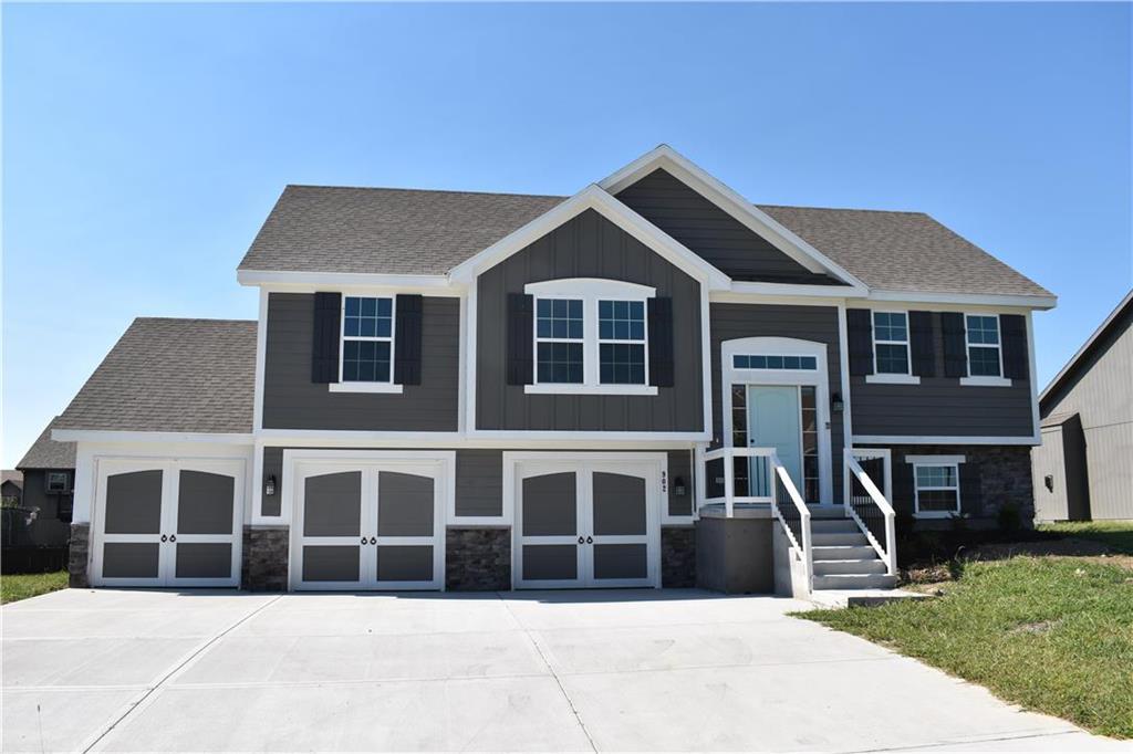 908 N Ash Street Property Photo - Kearney, MO real estate listing
