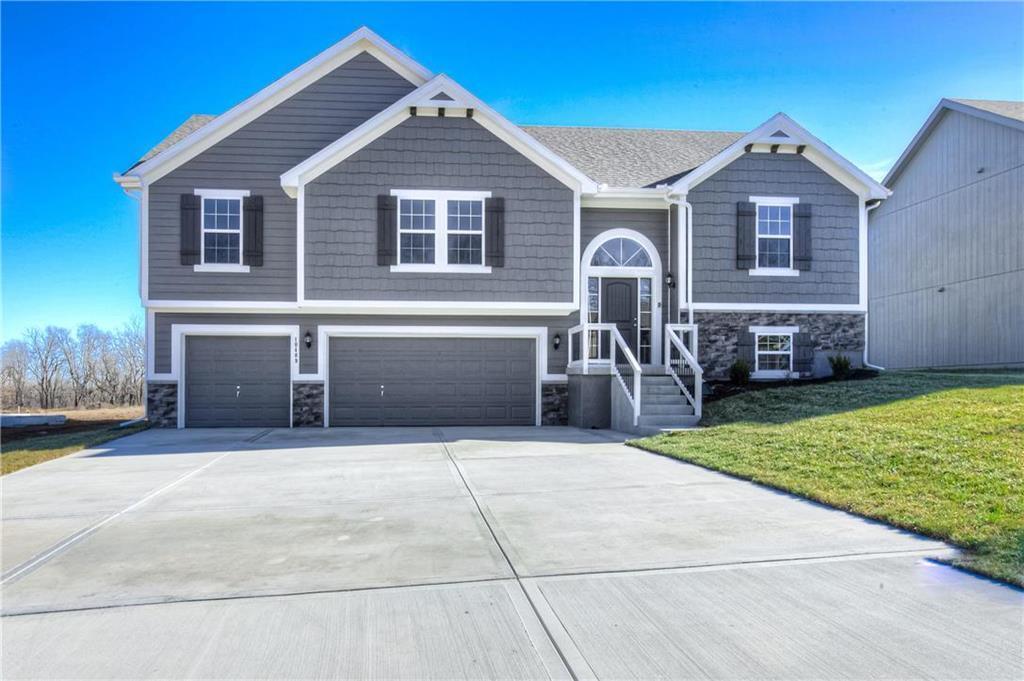 Cedar Wood Real Estate Listings Main Image