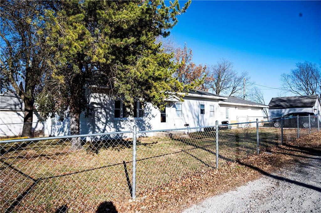 200 E 4th Street Property Photo - Turney, MO real estate listing