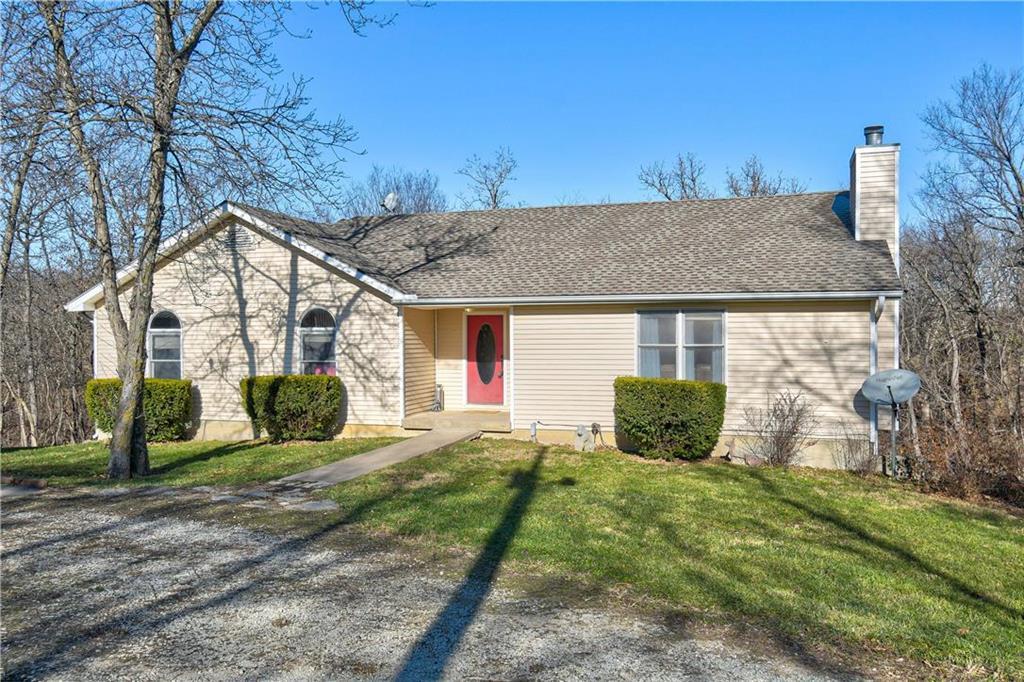435 Lake Paradise Road Property Photo - Oak Grove, MO real estate listing
