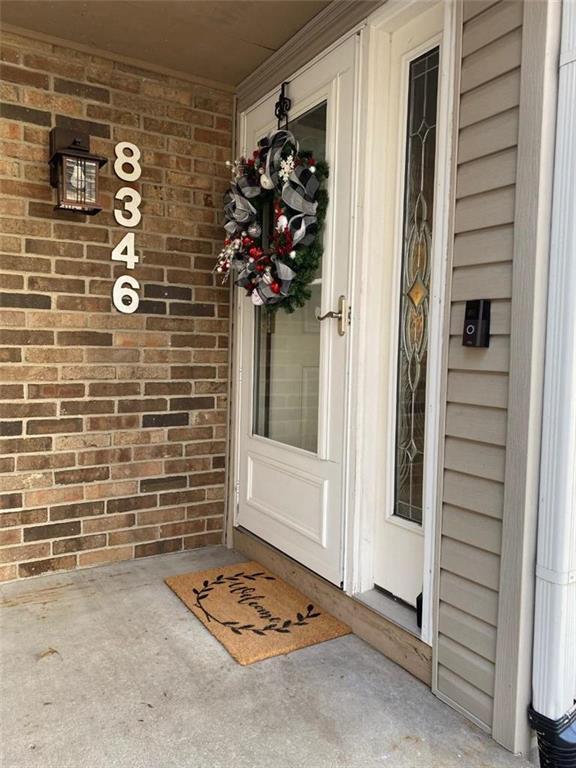 8346 NW Barrybrooke Drive Property Photo - Kansas City, MO real estate listing