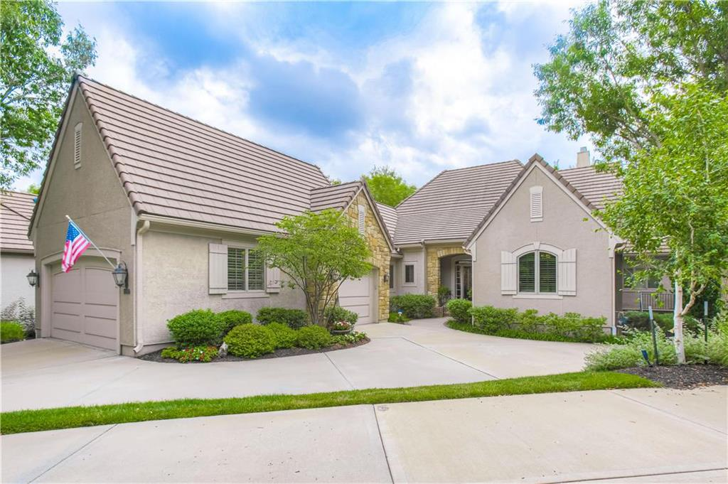 11357 Buena Vista Street Property Photo - Leawood, KS real estate listing