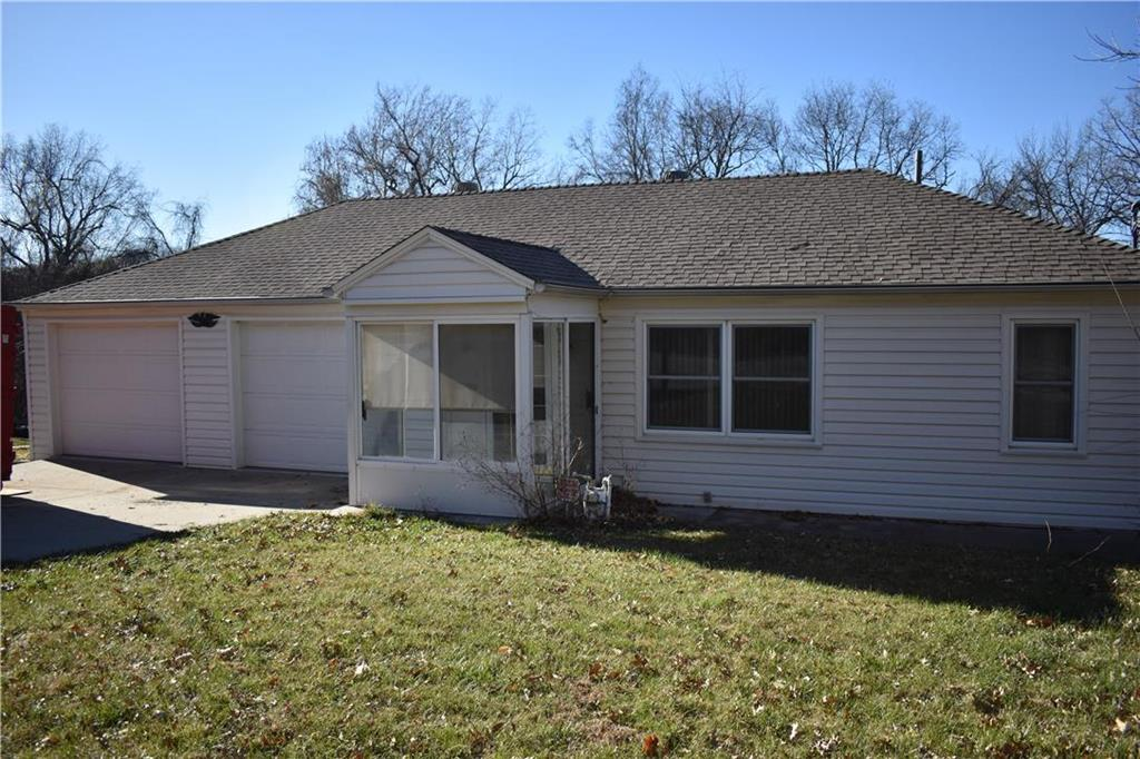 924 S Carlisle Avenue Property Photo - Independence, MO real estate listing