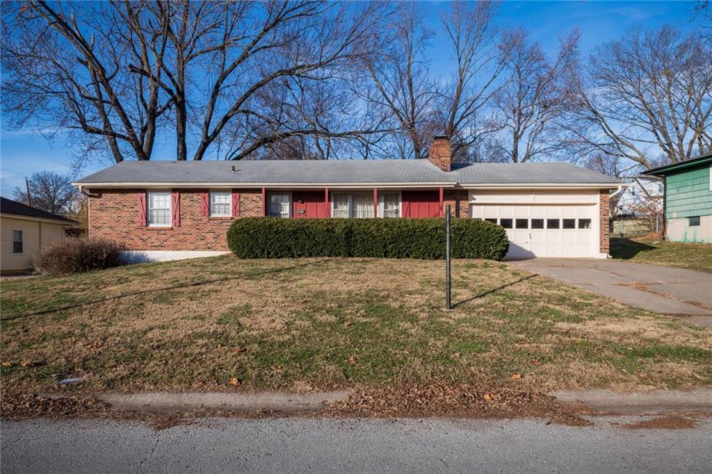 2306 NE 37th Street Property Photo - Kansas City, MO real estate listing