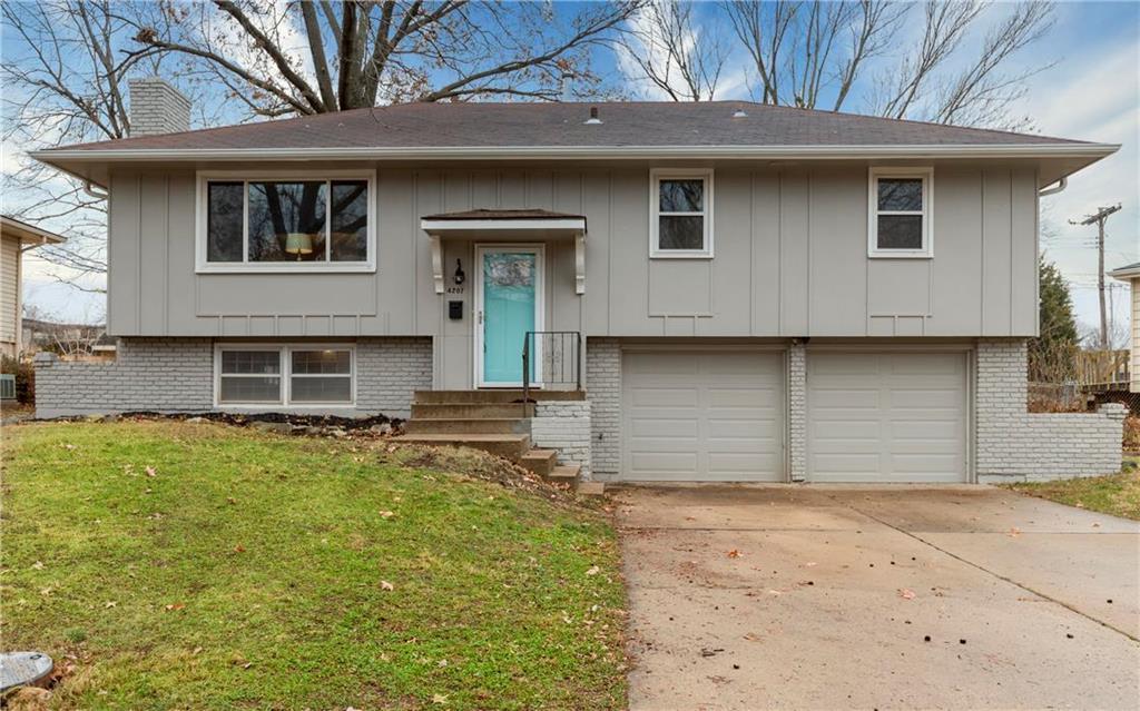 4207 E 105 Street Property Photo - Kansas City, MO real estate listing