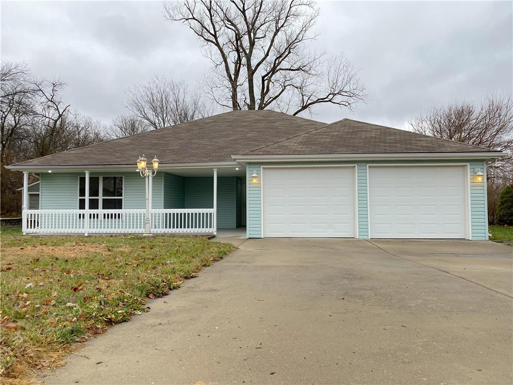 1203 Echo Ridge Street Property Photo - Buckner, MO real estate listing