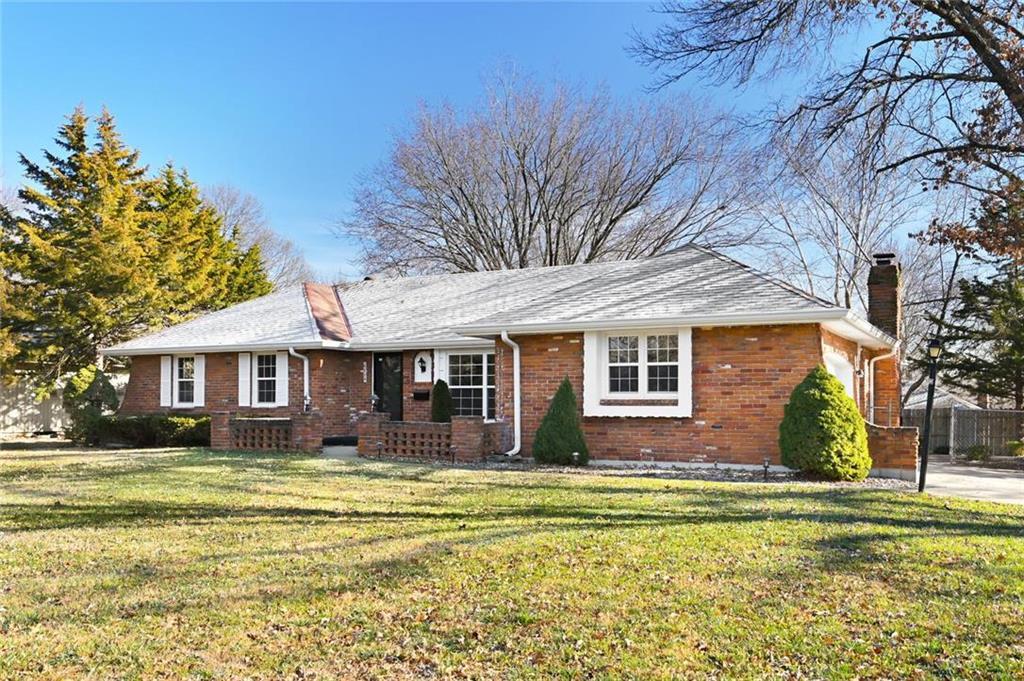 6829 Crisp Avenue Property Photo - Raytown, MO real estate listing