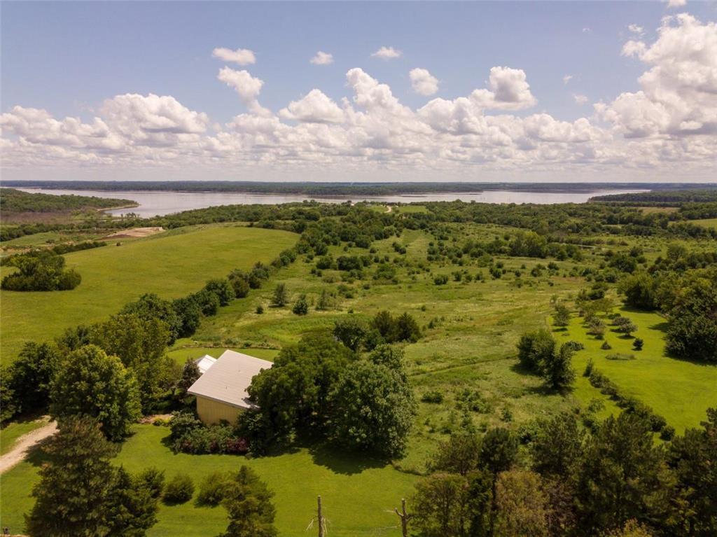 523 N 1500 Road Property Photo