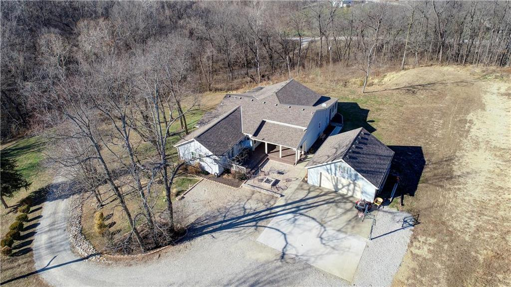 22455 Grass Pad Road Property Photo - Platte City, MO real estate listing