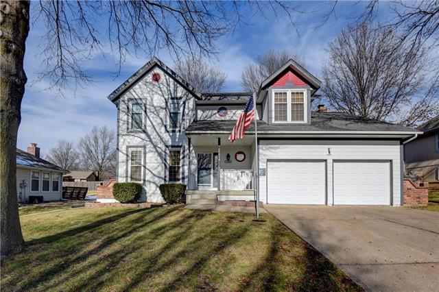 1608 SE Long Place Property Photo - Lee's Summit, MO real estate listing