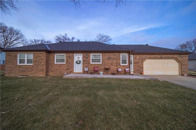 5104 Mansfield Lane Property Photo - Shawnee, KS real estate listing