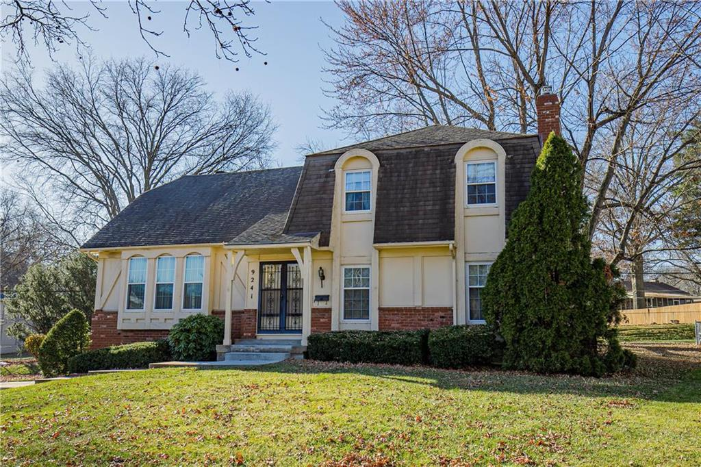 9241 Grandview Drive Property Photo - Overland Park, KS real estate listing