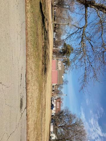 311 E 5th Avenue Property Photo - Garnett, KS real estate listing