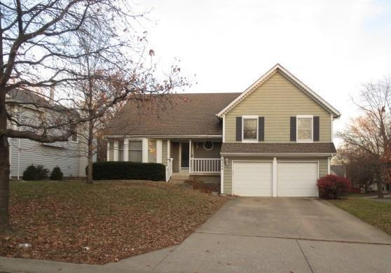 9235 Swarner Drive Property Photo - Lenexa, KS real estate listing