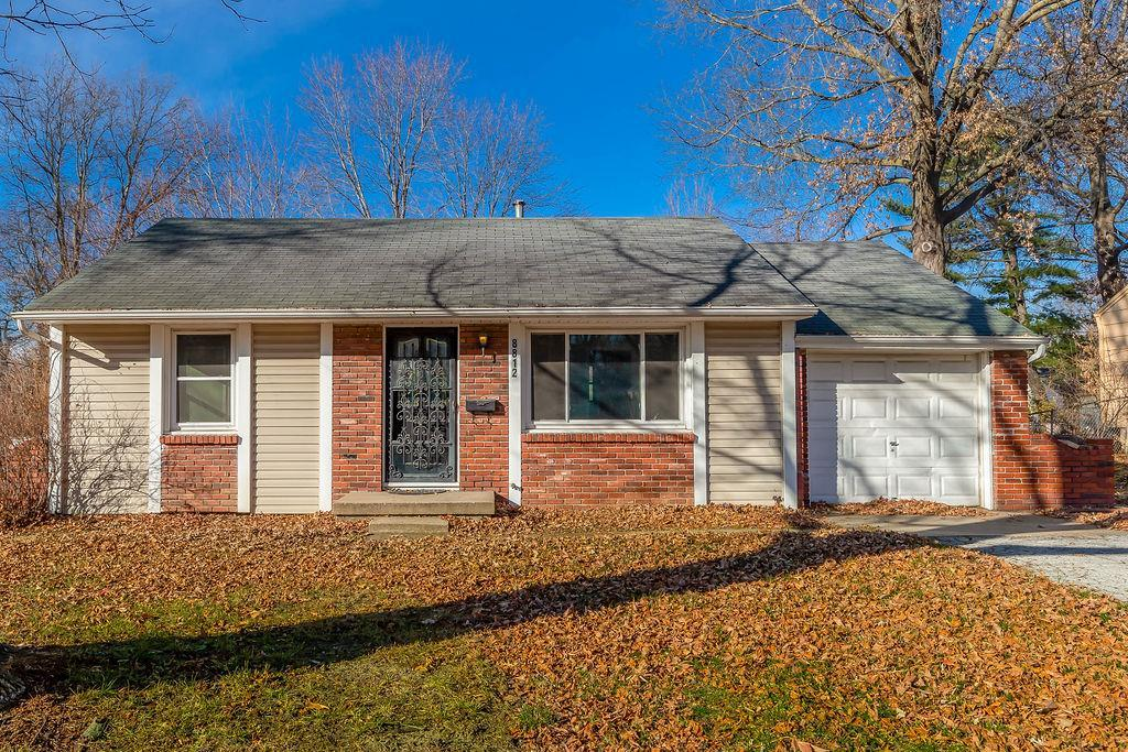 8812 E 72nd Terrace Property Photo - Raytown, MO real estate listing