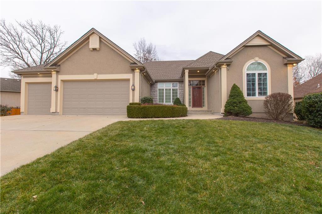 12521 Grand Avenue Property Photo - Kansas City, MO real estate listing