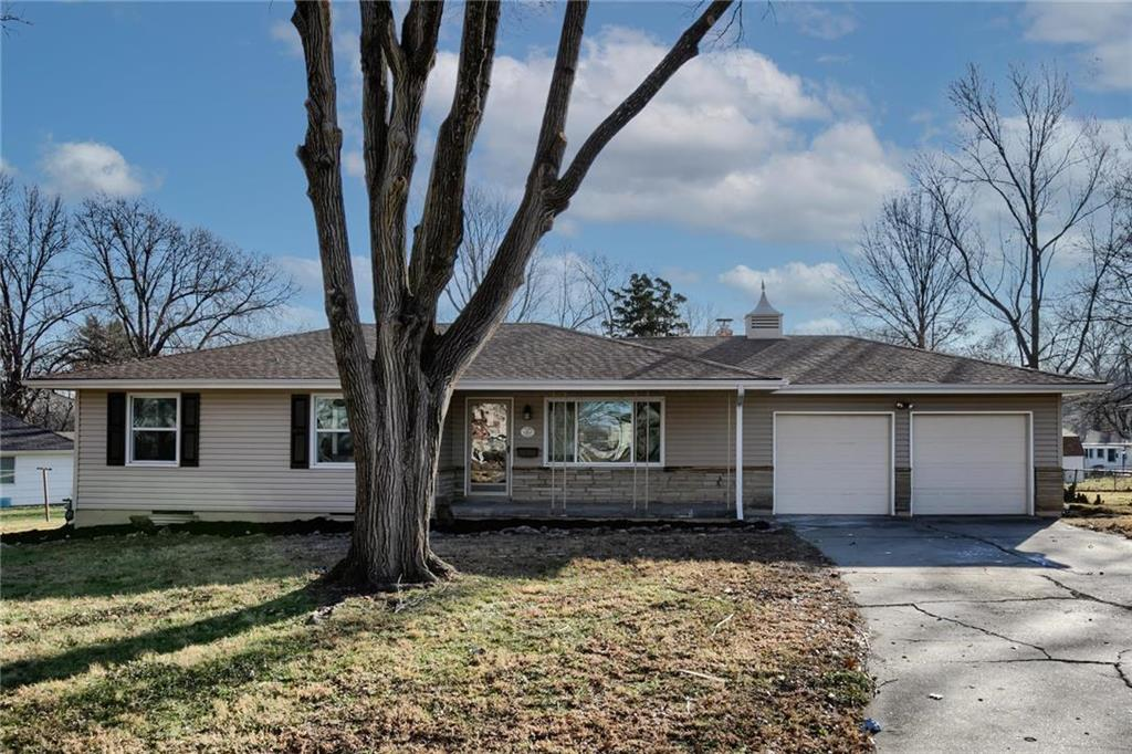 10809 Lewis Avenue Property Photo - Raytown, MO real estate listing