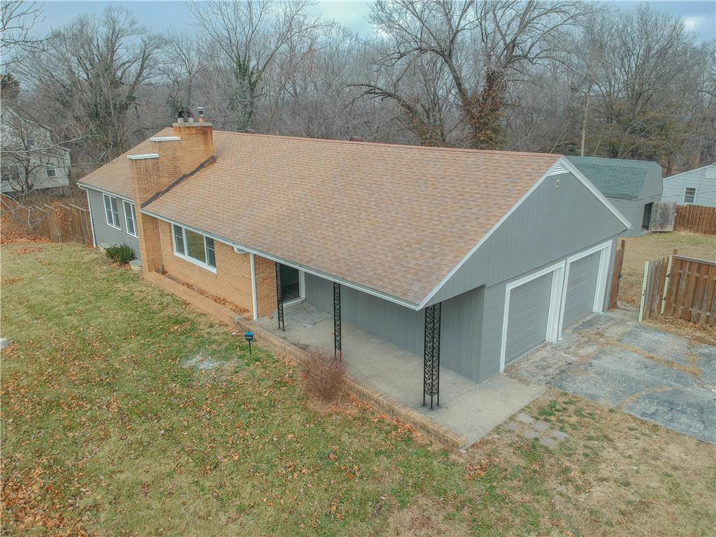 6544 Sni A Bar Road Property Photo - Kansas City, MO real estate listing