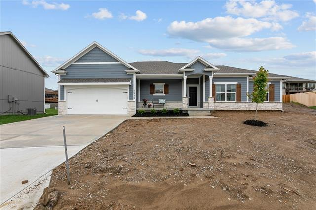 1313 NW Hickorywood Court Property Photo - Grain Valley, MO real estate listing