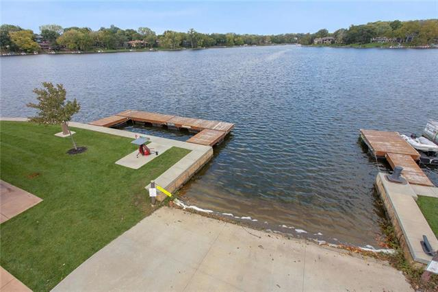 7814 NW Scenic Drive Property Photo - Weatherby Lake, MO real estate listing