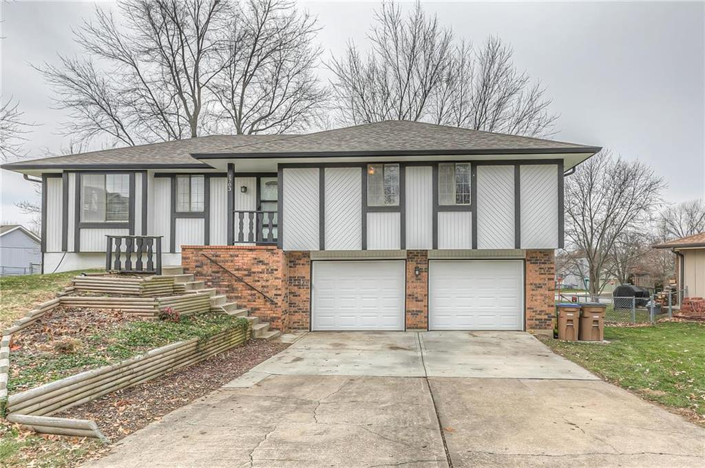 1703 Tweed Court Property Photo - Raymore, MO real estate listing