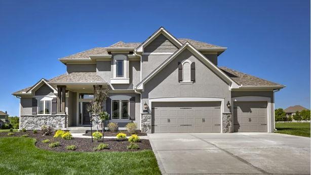 338 NW Ambersham Drive Property Photo - Lee's Summit, MO real estate listing