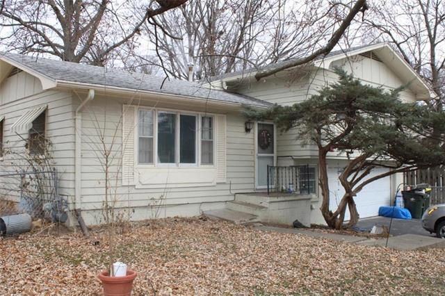 1301 W Price Avenue Property Photo - Savannah, MO real estate listing