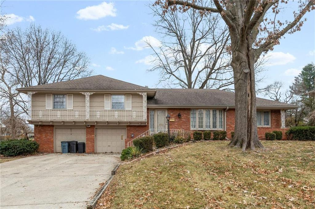 6521 STERLING Avenue Property Photo - Raytown, MO real estate listing