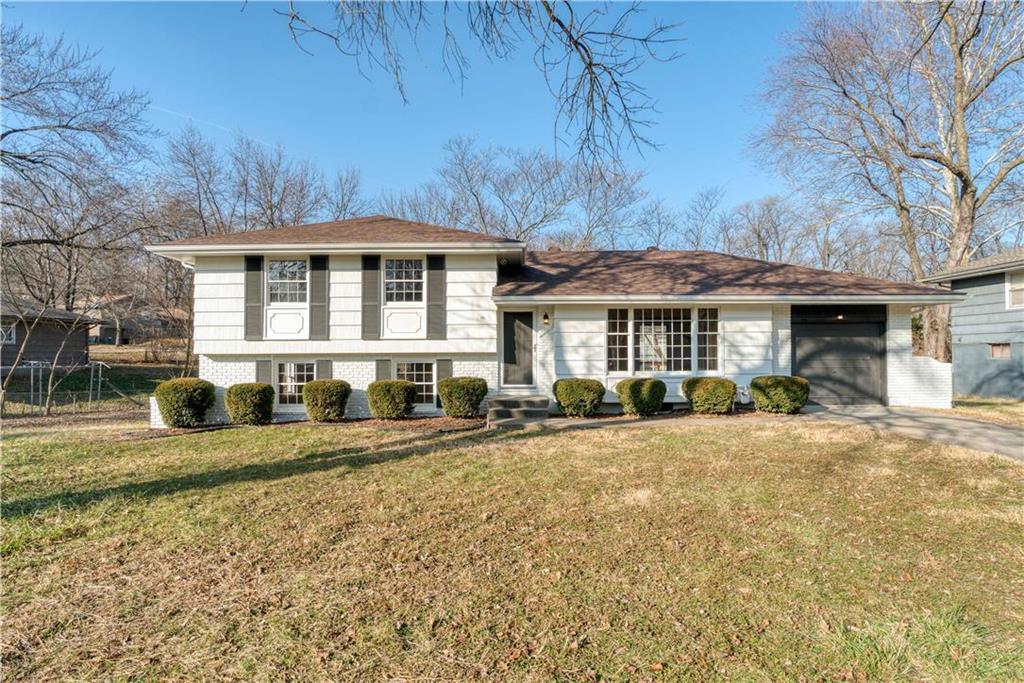 6302 E 102nd Terrace Property Photo - Kansas City, MO real estate listing