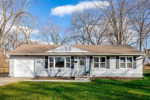 7007 Woodward Street Property Photo - Overland Park, KS real estate listing