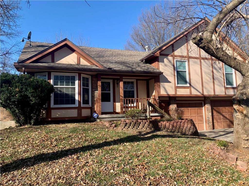 13208 CRYSTAL Avenue Property Photo - Grandview, MO real estate listing