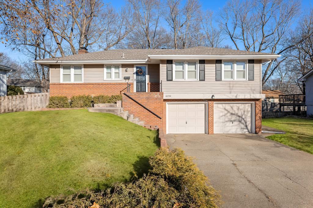 10720 W 92nd Street Property Photo - Overland Park, KS real estate listing