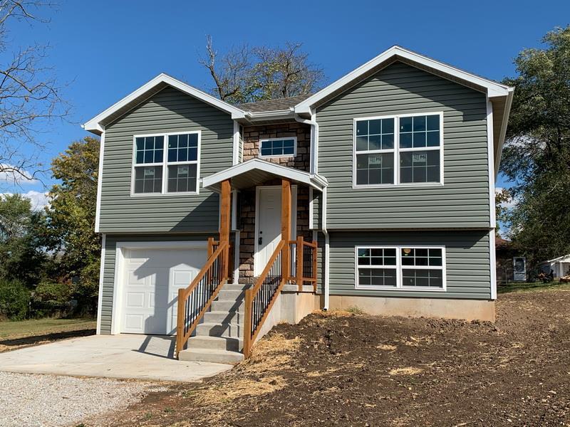 107 E Craig Street Property Photo - Stockton, MO real estate listing